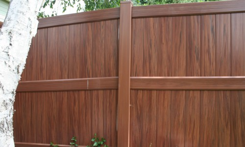 Vinyl Fence: Beautiful and Long-lasting Fences